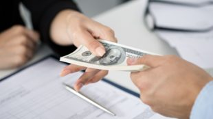 How Important Is Availing Personal Loans Online From Moneylenders?