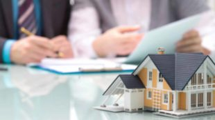 How a Mortgage Broker Helps in Making Your Loan Advantage?