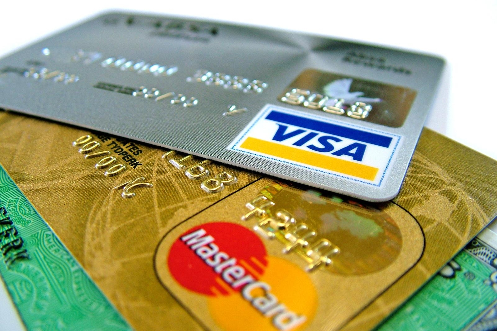 Make Your Shopping Experience Memorable With American Express Credit Card